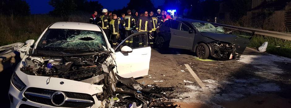 B9: Autofahrer lebensgefährlich verletzt
