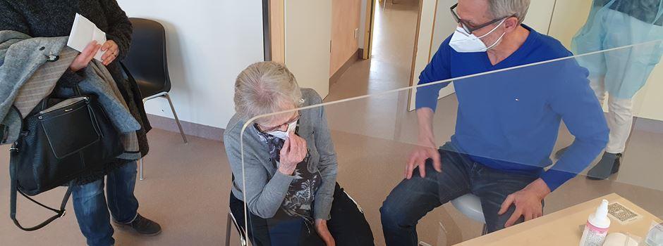Impfstart im Impfzentrum  an der Asklepios-Klinik