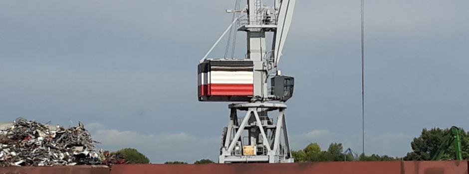 Was es mit der schwarz-weiß-roten Flagge in Gustavsburg auf sich hat