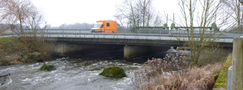 Instandsetzung der Brücke über die Ems: Halbseitige Sperrung der Landesstraße L 927 in Herzebrock-Clarholz.