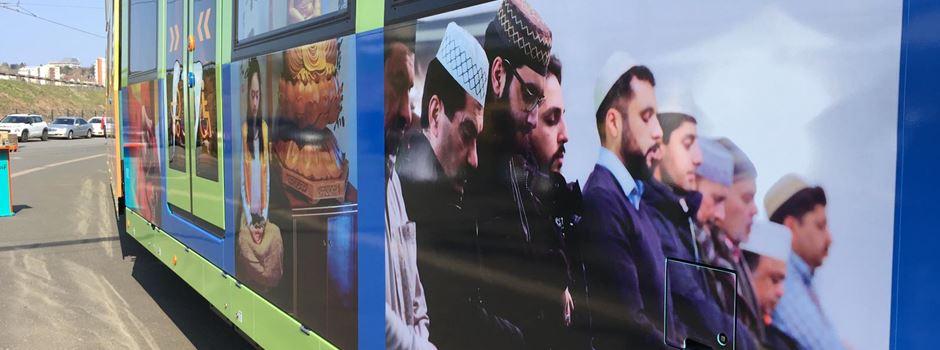 Religionsbilder auf neuer U-Bahn