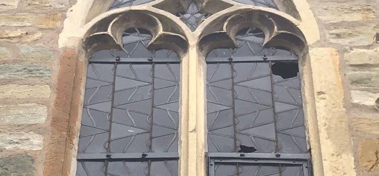 Vandalismus an Kirche und Pfarrzentrum