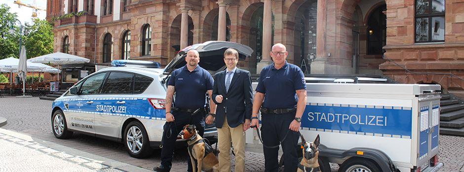 Polizei-Diensthunde in neuem Gefährt unterwegs