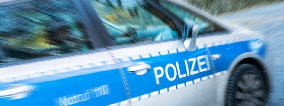 22-Jähriger sticht mit Messer auf 21-Jährigen ein
