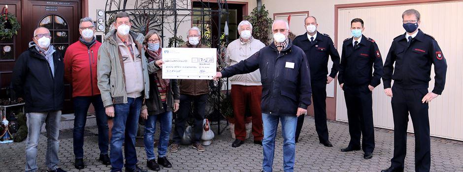 Weihnachtsbäume gegen Spende verschenkt