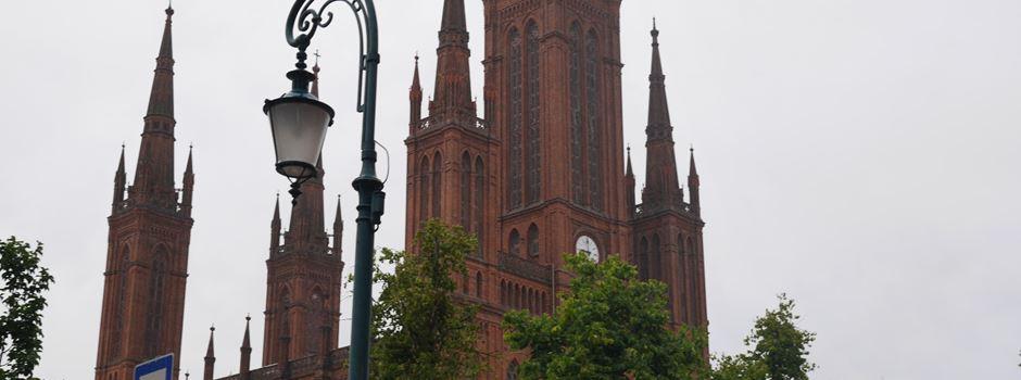 Deshalb stecken immer noch Nägel im Portal der Marktkirche