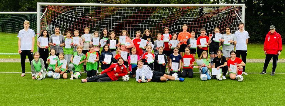Jedes vierte Mädchen nimmt teil: Tag des Mädchenfußballs an der Gesamtschule