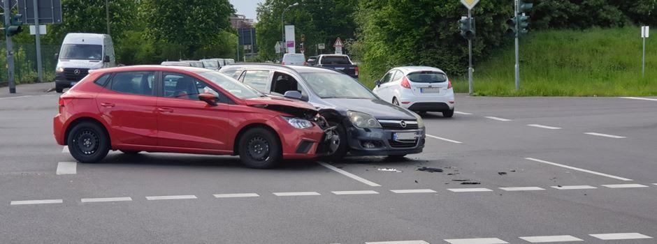 Verkehrsunfall im Kreuzungsbereich Feldmühlestraße / Porzer Straße