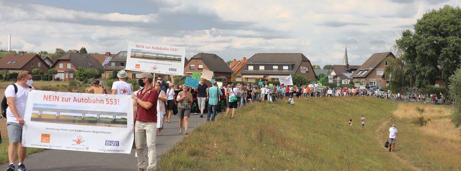 Protestmarsch zur möglichen Rheinquerung bei Lülsdorf