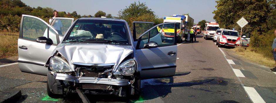 Fünf Verletzte bei Verkehrsunfall