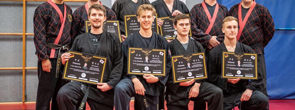 Fünf neue Hapkido Schwarzgurte in der Doppelgemeinde