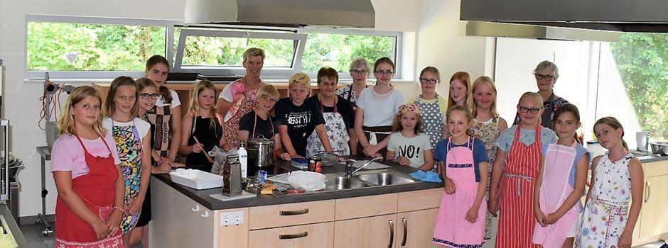 Ferienspiele: Caritas kocht mit Kindern