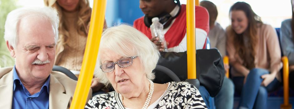 Senioren können bald für 365 Euro im Jahr durch ganz Hessen fahren