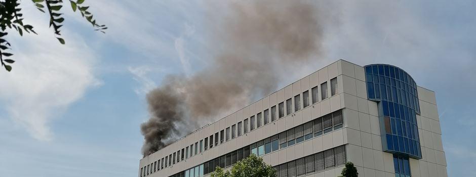 Großeinsatz der Feuerwehr: Brand in Arztpraxis