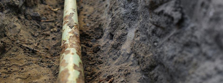 Bagger beschädigt Gasleitung