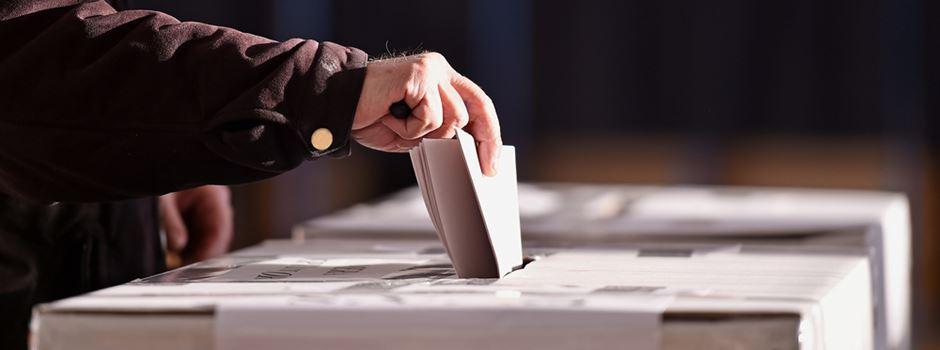 Stadt sucht Wahlhelfer für den Bürgerentscheid zur CityBahn