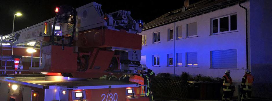 71-Jährige nach Feuer in Mehrfamilienhaus schwerverletzt