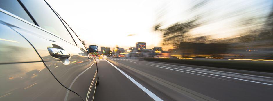 14-Jähriger brettert mit 200 km/h über die Autobahn