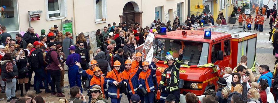 Freiwillige Feuerwehr bei Umzug angegriffen