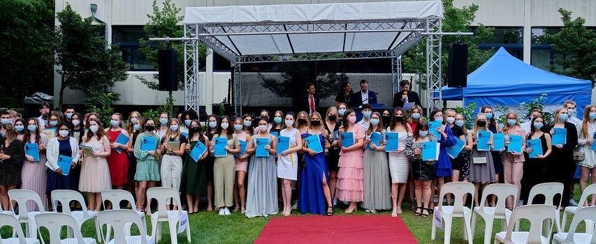 Abiturienten feiern ihr Abi mit Fiesta statt Siesta