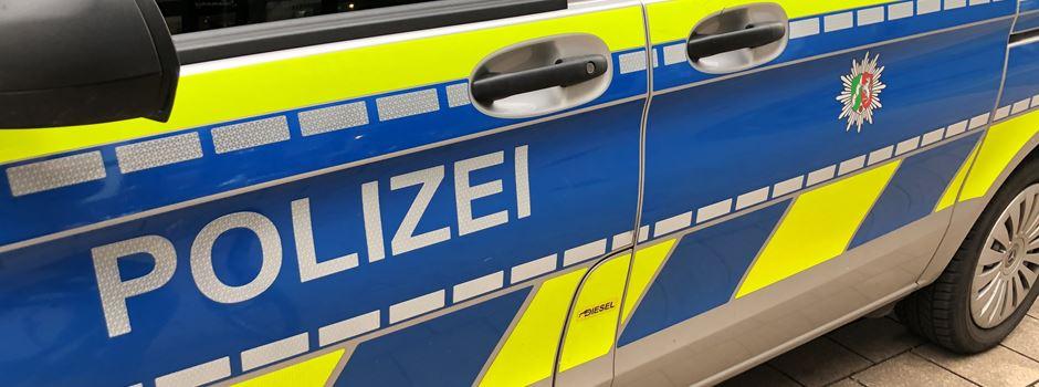Niederkassel-Lülsdorf: Jugendliche mit Messer bedroht und beraubt