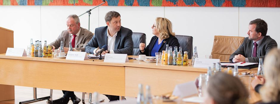 Diskussion mit Umweltministerin Schulze