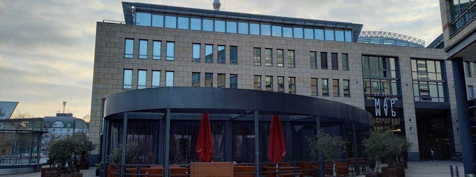 Neues Restaurant am Rheinufer