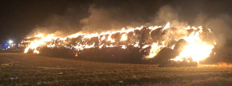 1000 brennende Strohballen sorgen für Vollsperrung der A66
