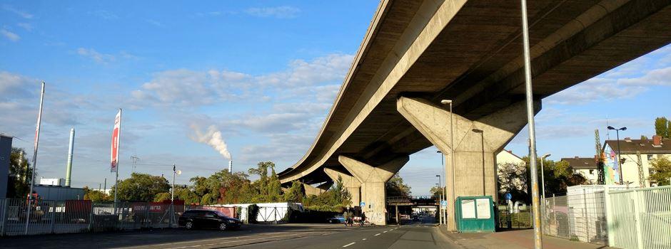 Wann wird die Mombacher Hochbrücke abgerissen?