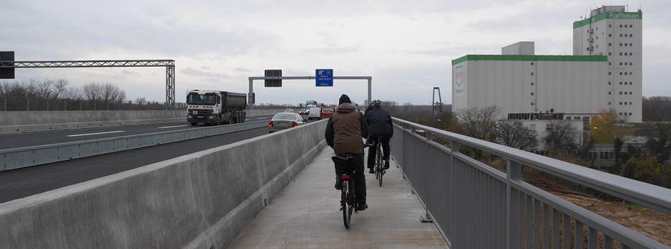 Neuer Fahrradweg auf der Schiersteiner Brücke
