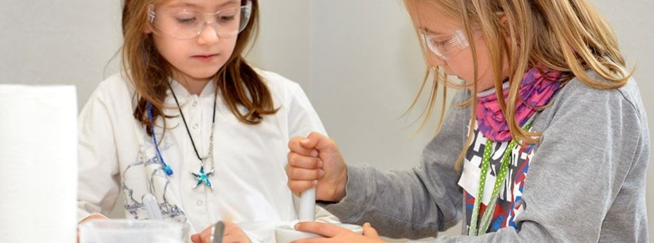 So macht Lernen Spaß: Evonik Science Camps @home für Kinder